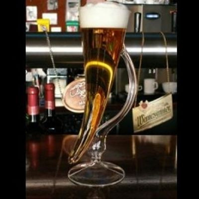 Bierhorn auf Fuß 27cm Klarglas